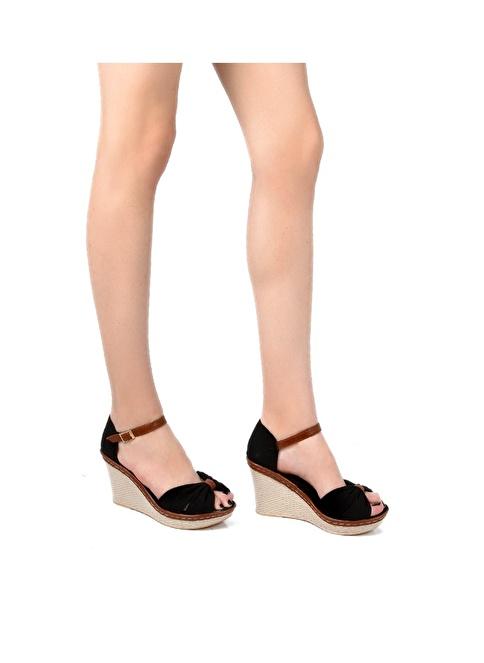 Sapin Dolgu Topuklu Sandalet Siyah
